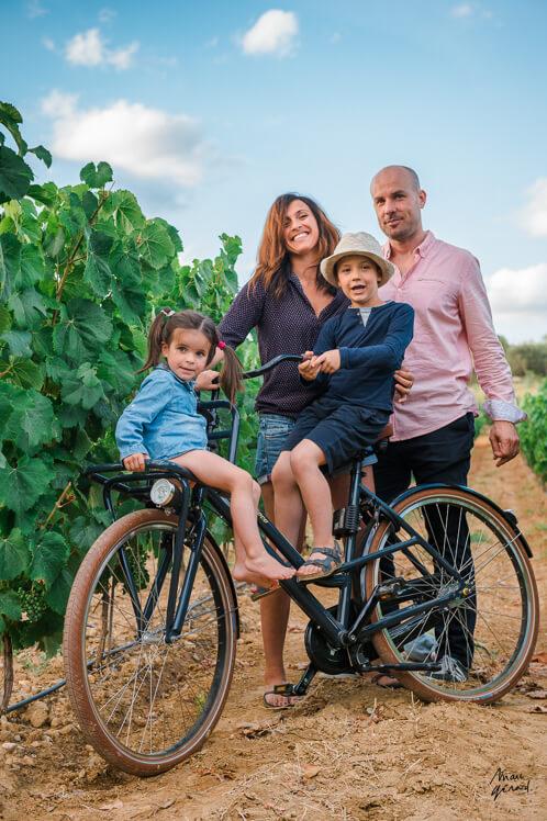 Séance photo de famille dans les vignes, Béziers