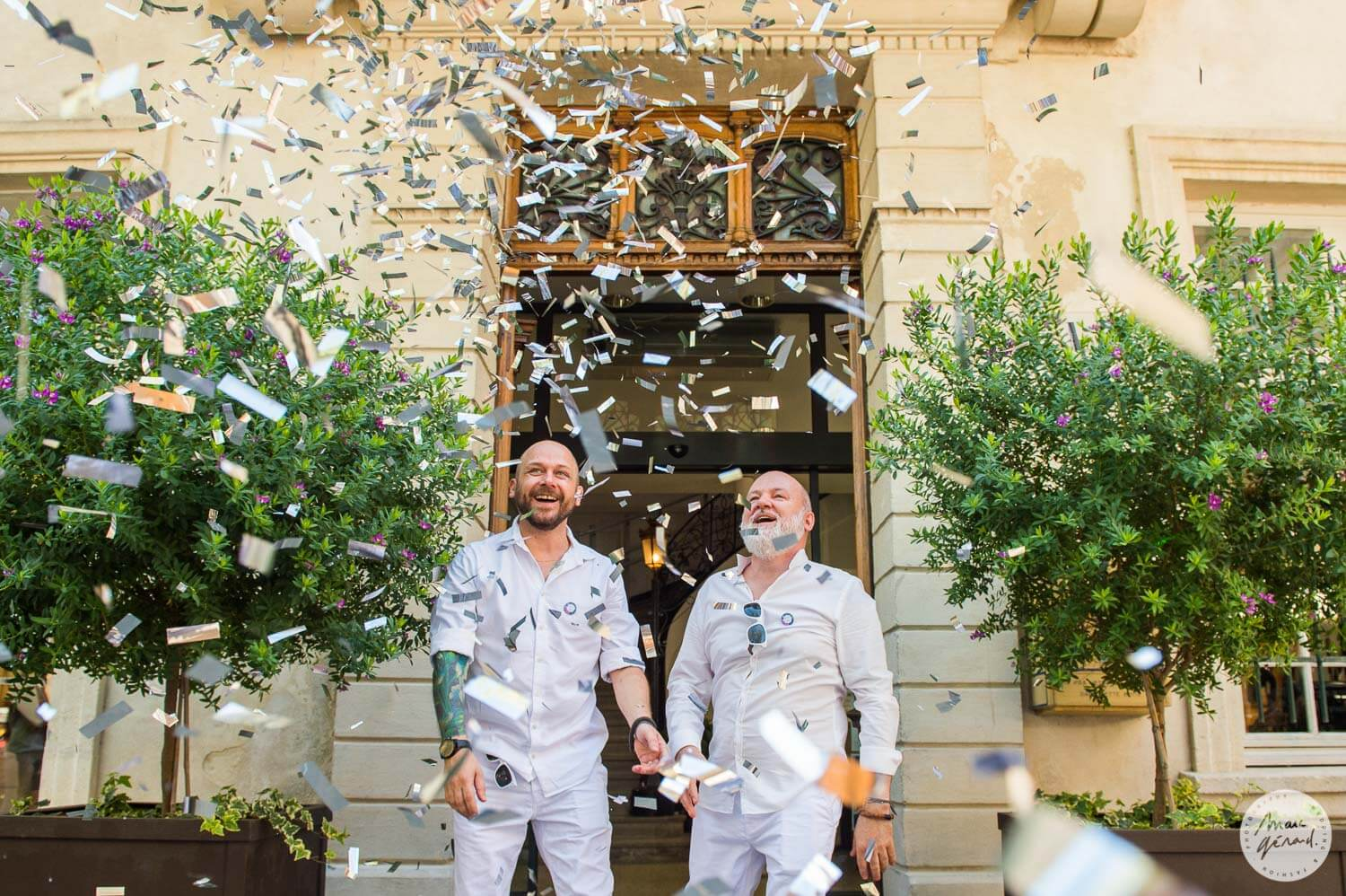 Photographe mariage Aigues Mortes : Men in White