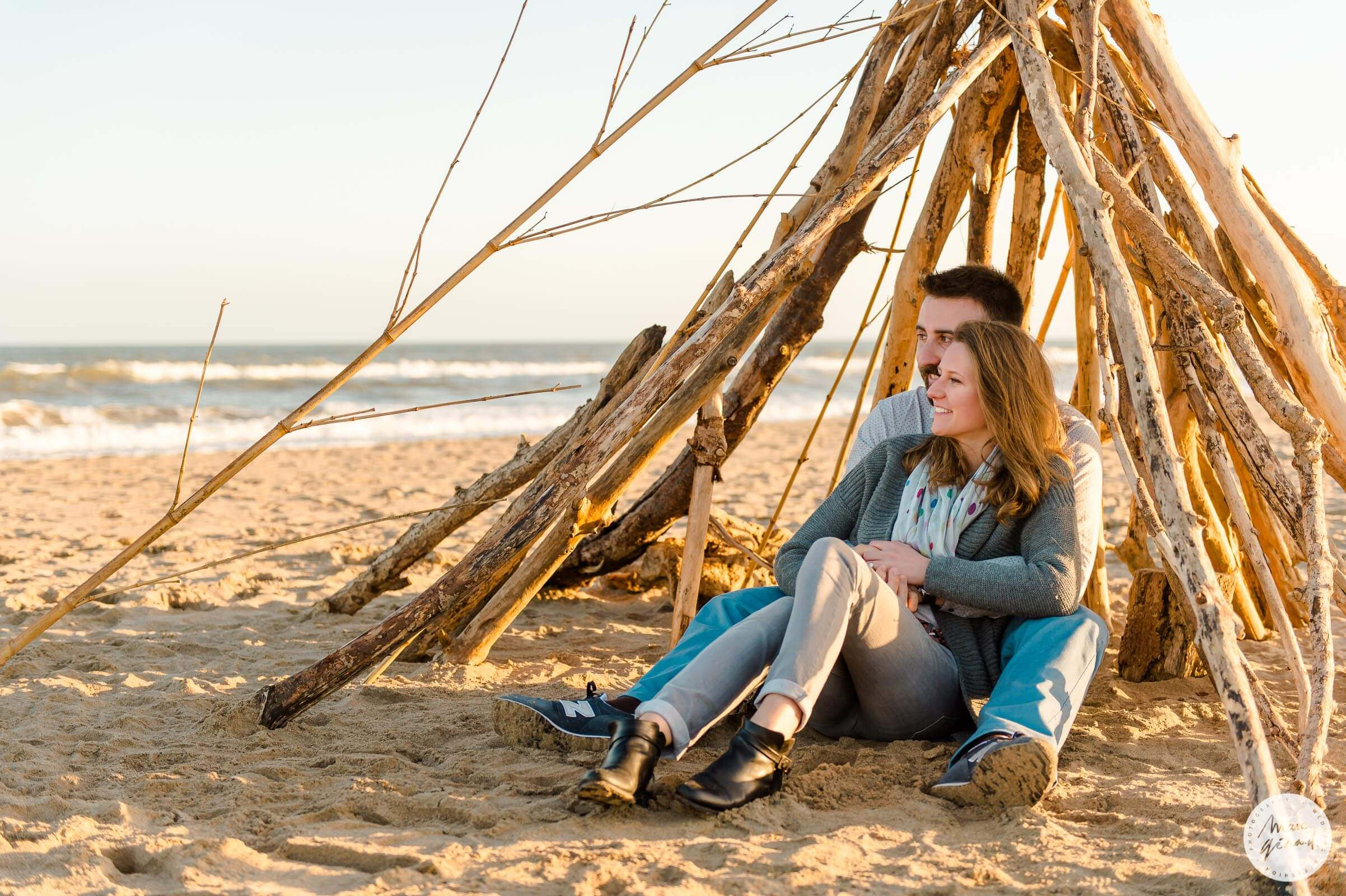 Séance engagement Sérignan plage : Jeanne + Thomas